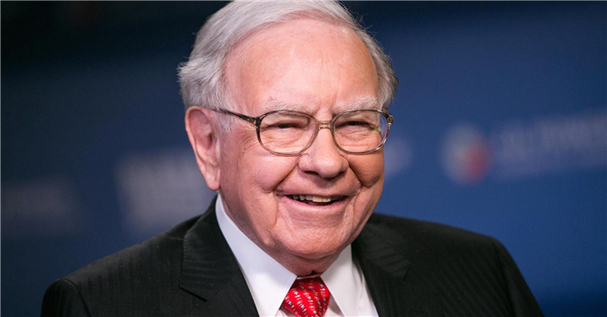 Warren Buffet - (Berkshire Hathaway)