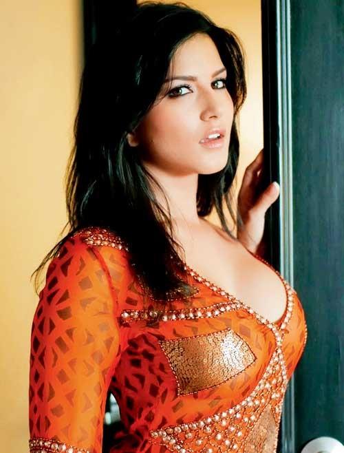 Sunny Leone – 1.5 Milyon Dolar