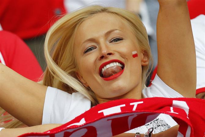 Futbolun En Ateşli Kadın Taraftarları