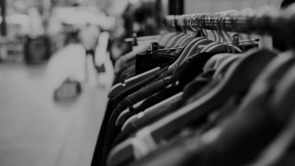 """6bb6e4a341ac0 Hızla değişen moda akımlarına, erişilebilir moda kavramıyla herkesi ortak  edebilen bir tekstil, daha doğrusu bir """"lojistik"""" firması."""